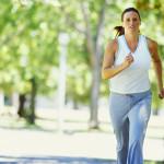 Cómo monitorear el ritmo cardíaco mientras haces ejercicio