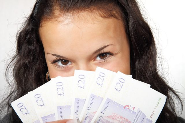 Aprende a materializar tus redes en dinero de 6 maneras