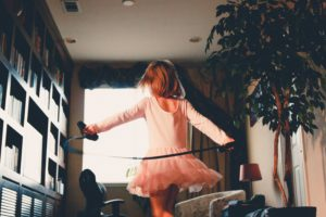 Los niños con alta autoestima disfrutan más su niñez