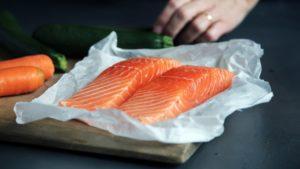 La comida en mal estado puede deteriorar los demás alimentos en tu nevera