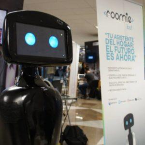 Roomie Bot, un ayudante de casa algo particular ¡Increíble!