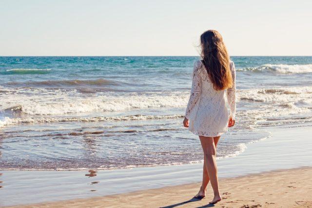 Artículos indispensables en tu bolso de playa