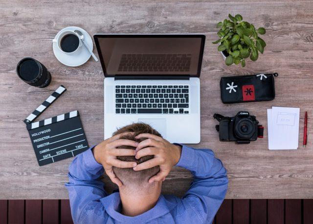 ¿Cómo saber si el dolor de cabeza puede ser algo más?