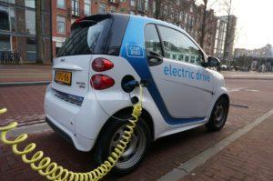 Carro eléctrico, el carro del futuro y del presente también