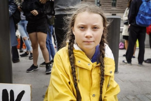 Cortesia de: https://aboutclimatechange.com/greta-thunberg-15-scolds-world-leaders-inaction-climate-policy/